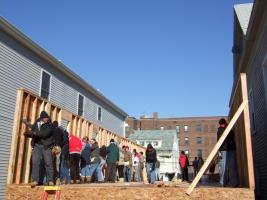 U-M Club Members Help Habitat for Humanity